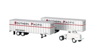 Southern Pacific - White Truck Cab & 2 Piggyback Trailers (HO)