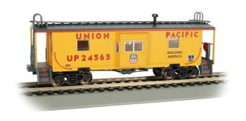 Union Pacific - Bay Window w/ Roof Walk Caboose (HO Scale)