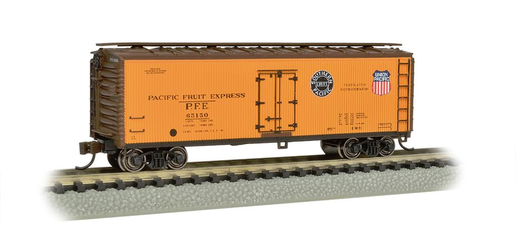 Pacific Fruit Express™-40' Wood-side Refrigerated Box Car