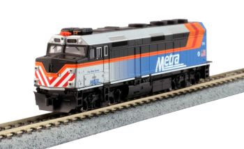 """EMD F40PH Chicago Metra New Paint w/ Ditch Lights """"Fox River Grove"""" w/ Pre-Installed DCC"""