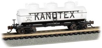 Kanotex #879 - 3-Dome Tank Car