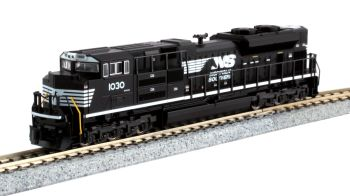EMD SD70ACe Cab Headlight Version - Norfolk Southern #1030 with Pre-Installed Digitrax DCC