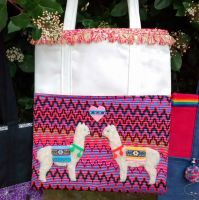 <!--001-->Loveable Alpaca Handmade Shoulder Bag