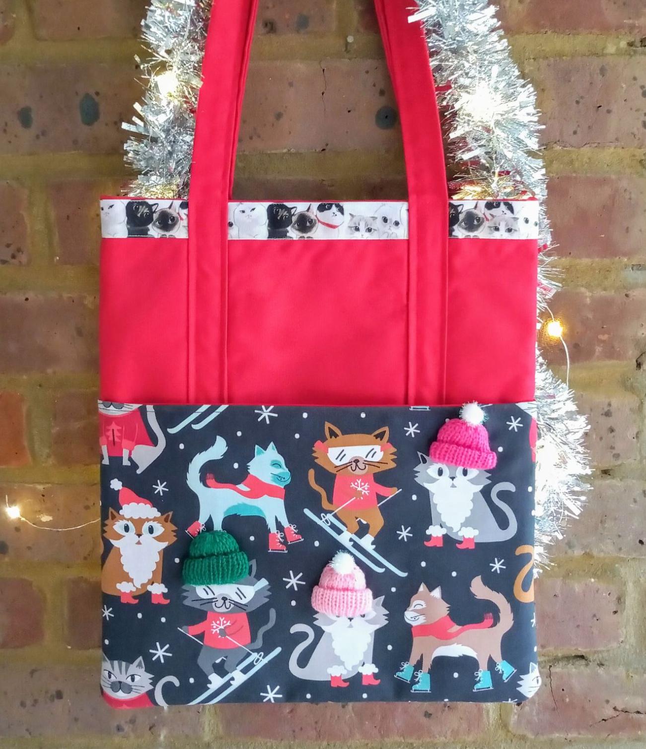 Christmas cats handmade shoulder bag Raspberrycatdesigns.co.uk
