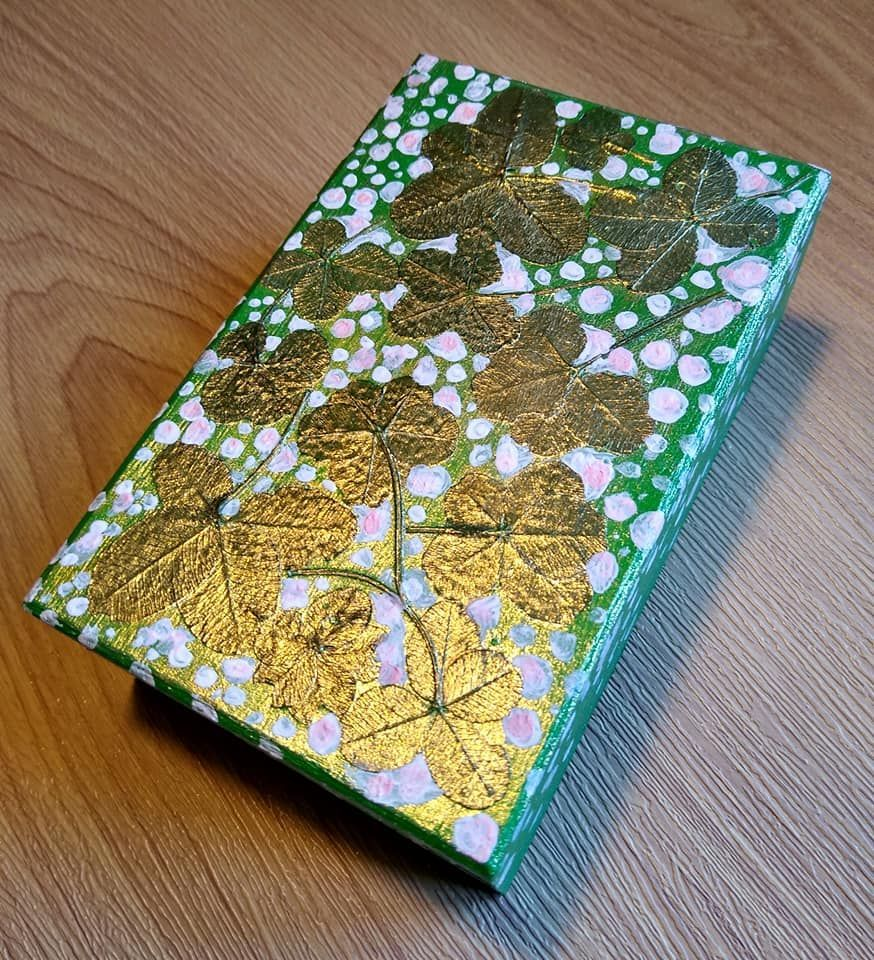 THE GREEN MERAKI LUCKY BOX
