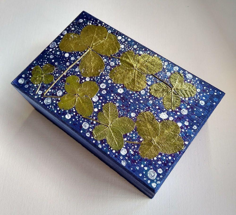 THE BLUE MERAKI LUCKY BOX
