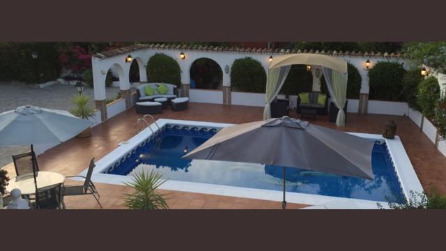 Poolside 2