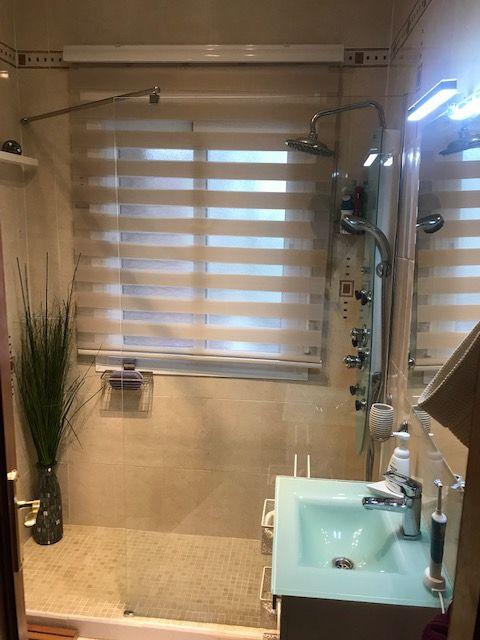 Bathroom 2 ( 2)