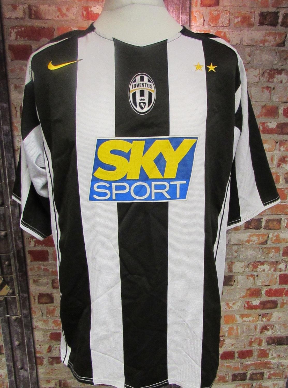 Vintage Juventus Nike 2004/05 Home Shirt