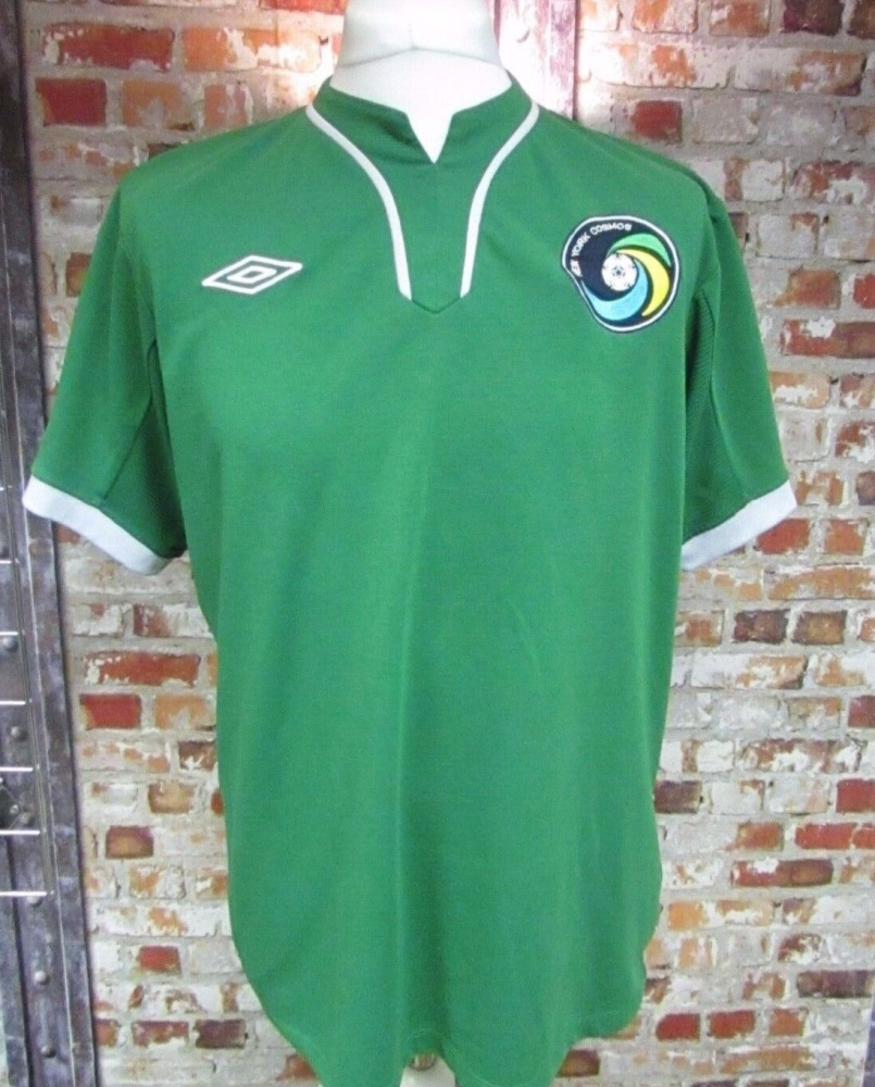Umbro New York Cosmos 2010/11 Away Football Shirt Size Large Mens 40/42