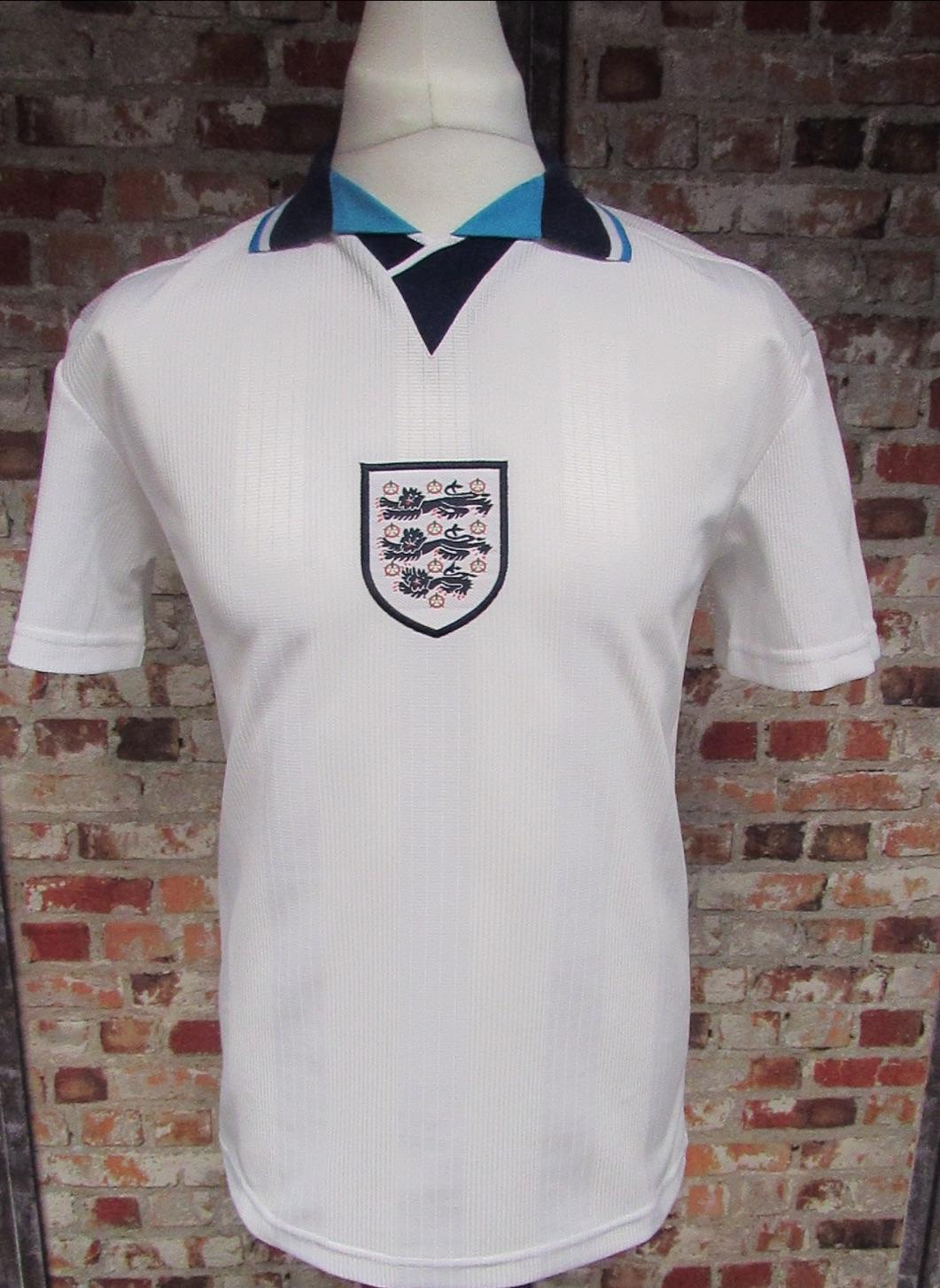 England Euro 96 Retro Home Football Shirt Size Small 36/38''