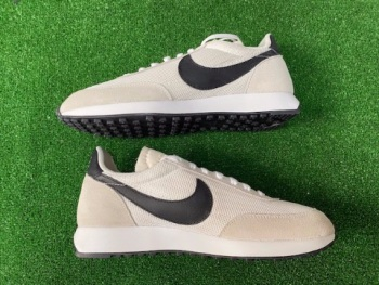 Nike Tailwind Black and White Retro Trainers Size 8