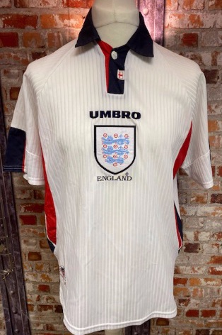 1997/98  Umbro England Home Shirt White and Navy  Size Medium