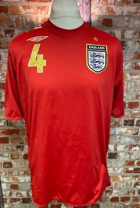 2004/06  Umbro England  Away Shirt Red Gerrard Size Large
