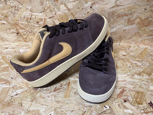 Nike Retro Skate Style Trainers Brown and Cream Size 9