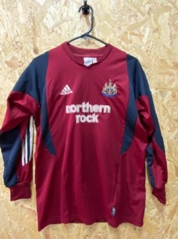 2003/04 Newcastle United Goalkeeper Shirt Maroon and Navy Size XLB