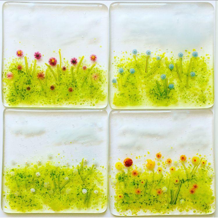 Set of 324 flower meadow coasters