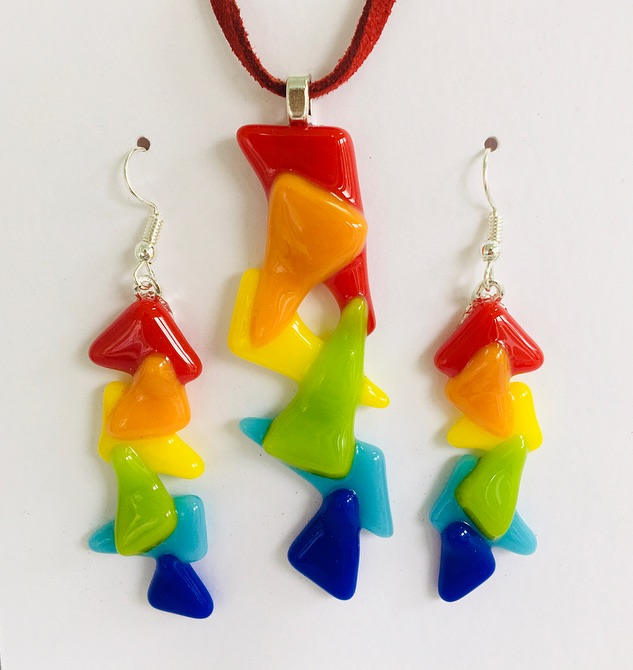 Jazzy rainbow necklace & earrings set