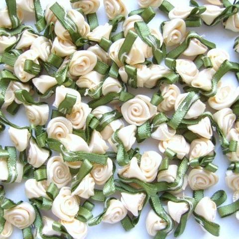 Mini Satin Ribbon Roses With Leaf 25mm - Ivory