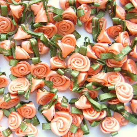 Mini Satin Ribbon Roses With Leaf 25mm - Peach