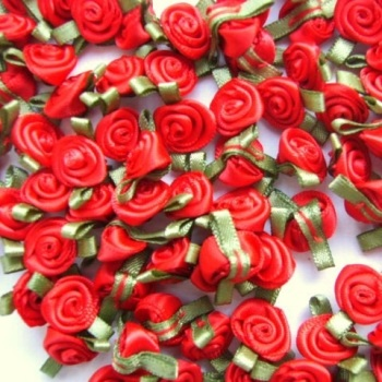 Mini Satin Ribbon Roses With Leaf 25mm - Red