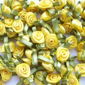 Mini Satin Ribbon Roses With Leaf 25mm - Yellow