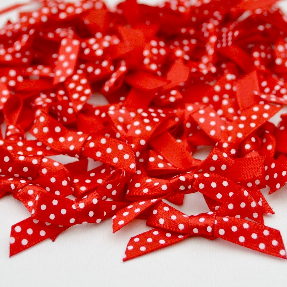 7mm Satin Spotty Bows - Red