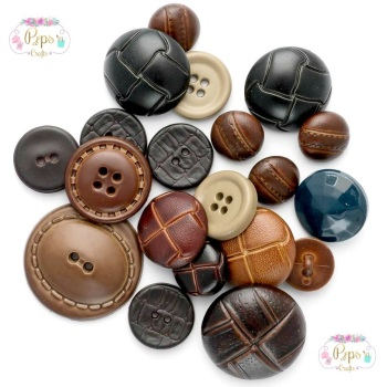 50 Assorted Football & Aran Buttons