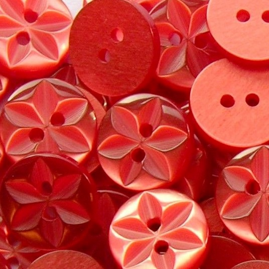 Round Star Buttons Size 22 - Red