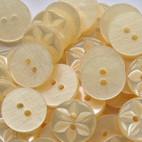 Round Star Buttons Size 22 - Cream