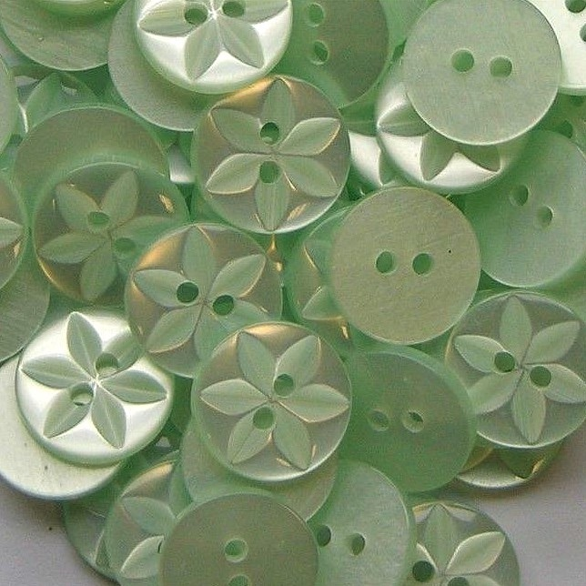 Round Star Buttons Size 22 - Mint Green