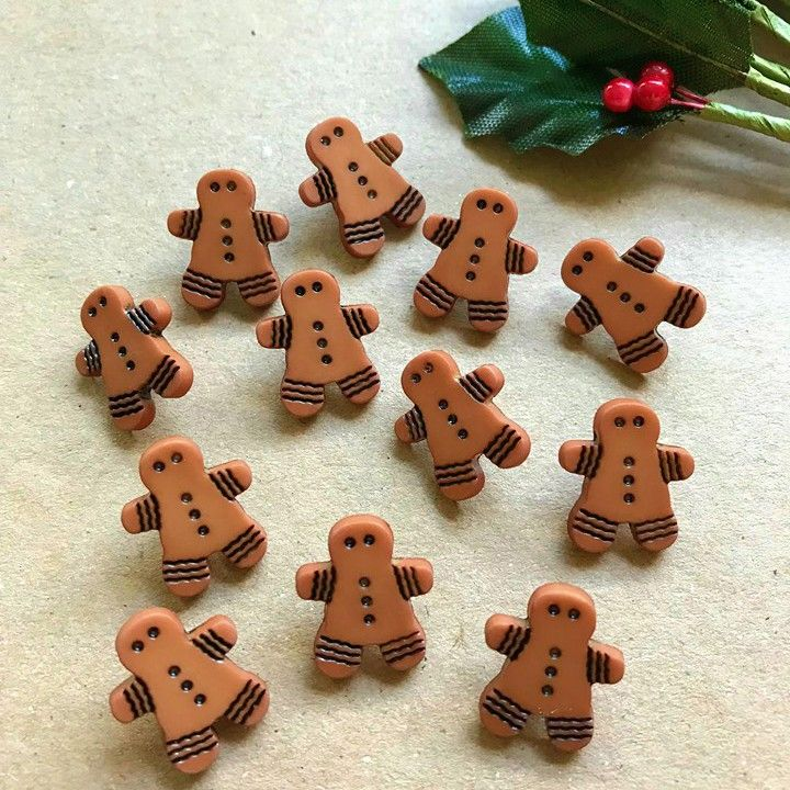 Novelty Christmas Gingerbread Buttons 15mm