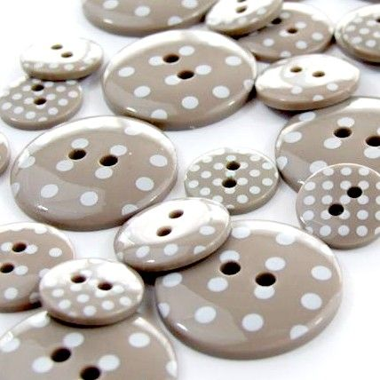 Round Spotty Buttons Size 24 - Beige & White