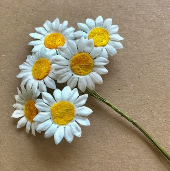 Mulberry Paper Flowers - Stem Daisies 25mm
