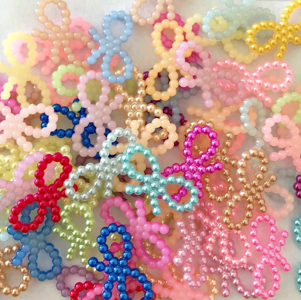 Resin Flat Back Pearl Bows - 19mm