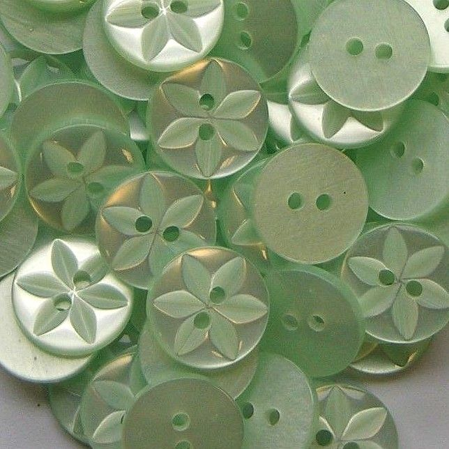 Round Star Buttons Size 26 - Mint Green