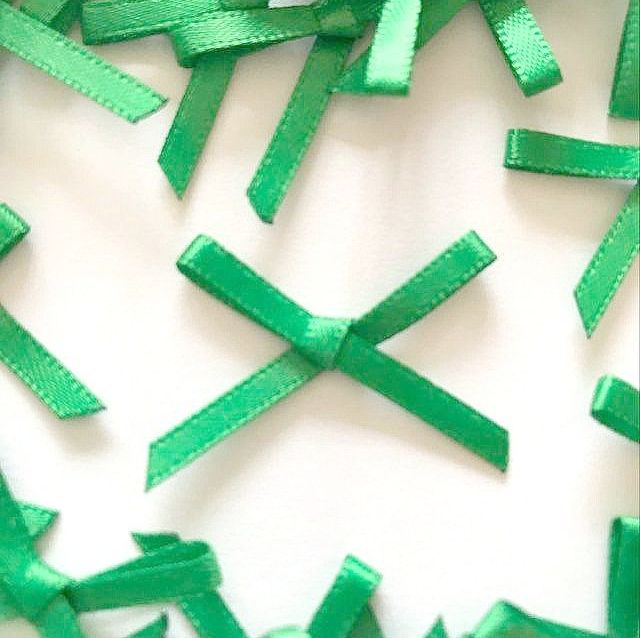 Mini Satin Fabric 3mm Ribbon Bows - Emerald Green