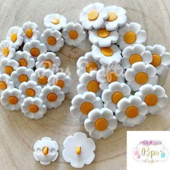 Daisy Flower Buttons - 18mm