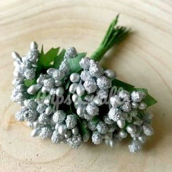 144 Small Silver Berries With Green Leaves
