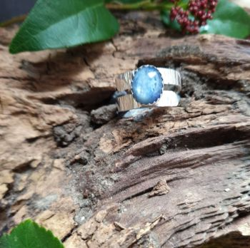 Sterling Silver & Kyanite Textured Crossover Ring Size  N