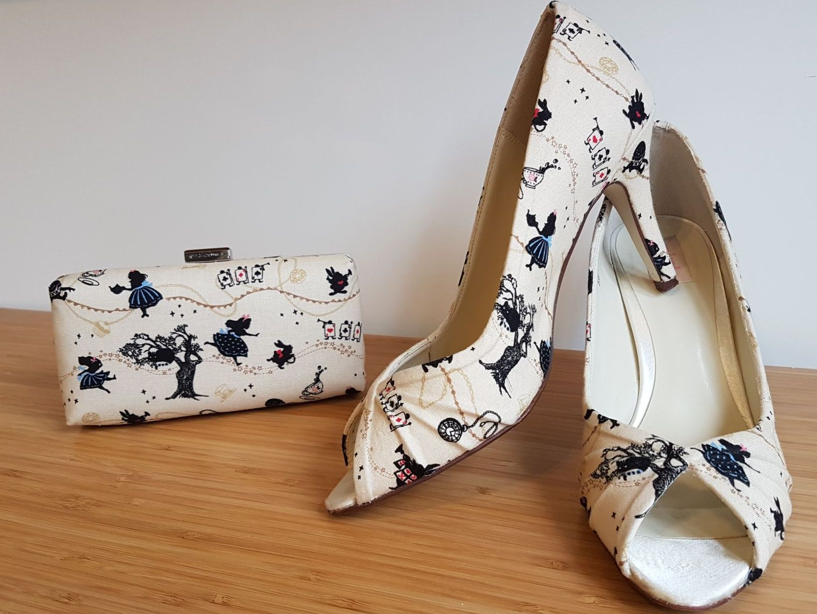 Alice in wonderland shoes & matching bag