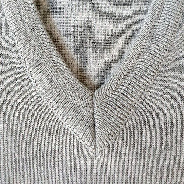 Franco Ponti  Merino Wool Blend V Neck Sweater - Silver