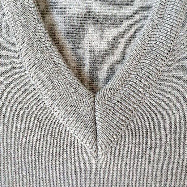 Franco Ponti  Merino Wool Blend V Neck Sweater - Silver