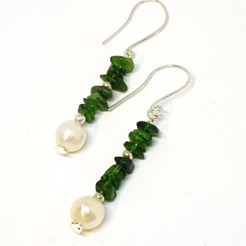 Pearls and Chrome Diopside drop Earrings