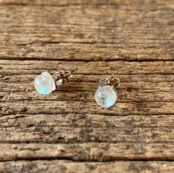 """'Tiny Dot' glass earring studs, """"Gouttes de rosée"""""""
