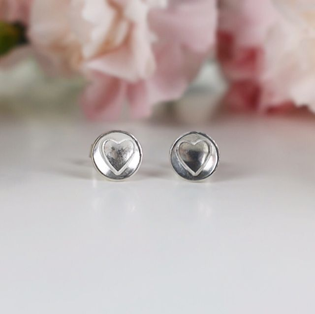 Elskede Heart Stud Earrings