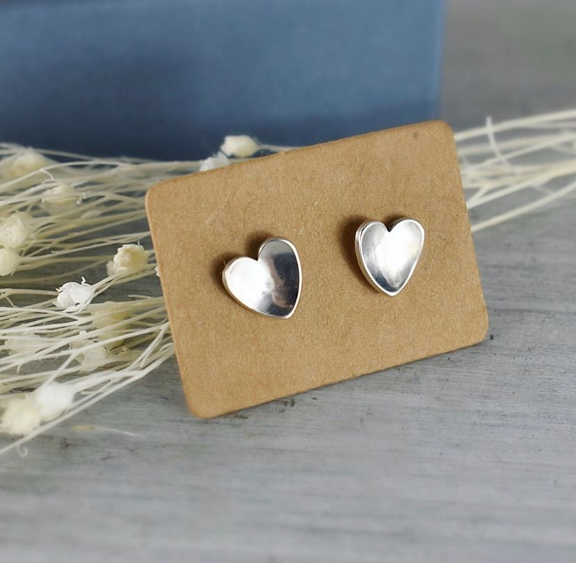 Argentium silver heart stud earrings handcrafted by The Sylverling Workshop