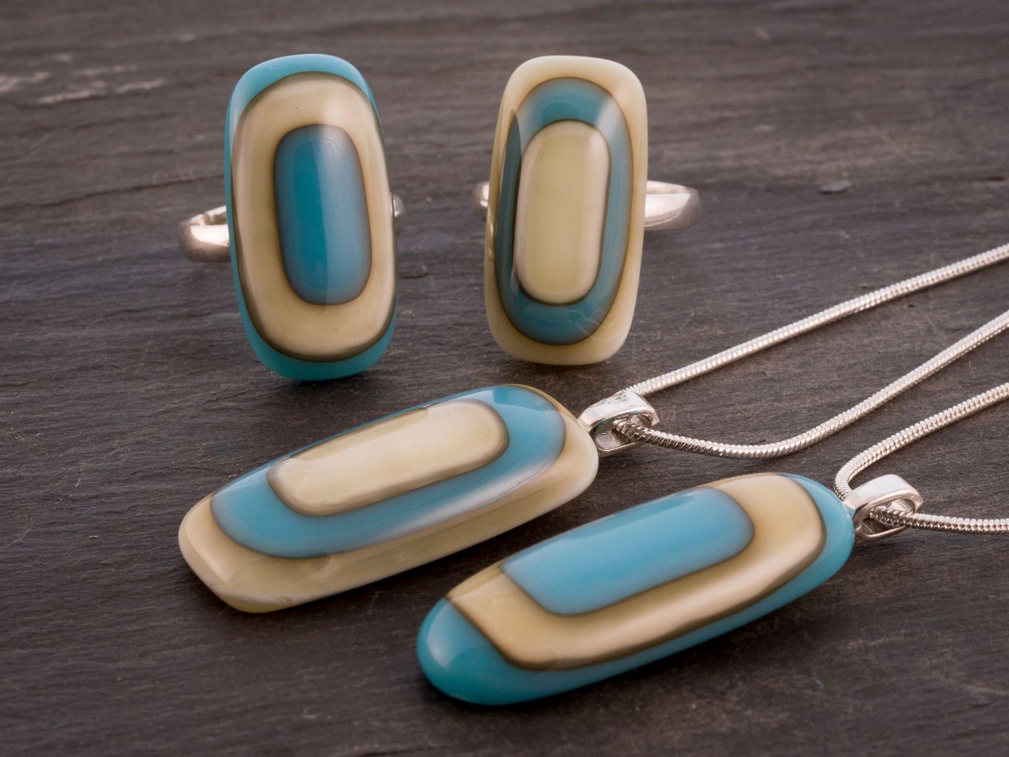 Art deco vintage style glass jewellery