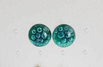 Bubbles - Emerald green bubbles stud earrings