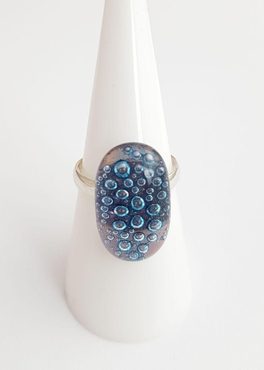 Pale purple bubbles ring